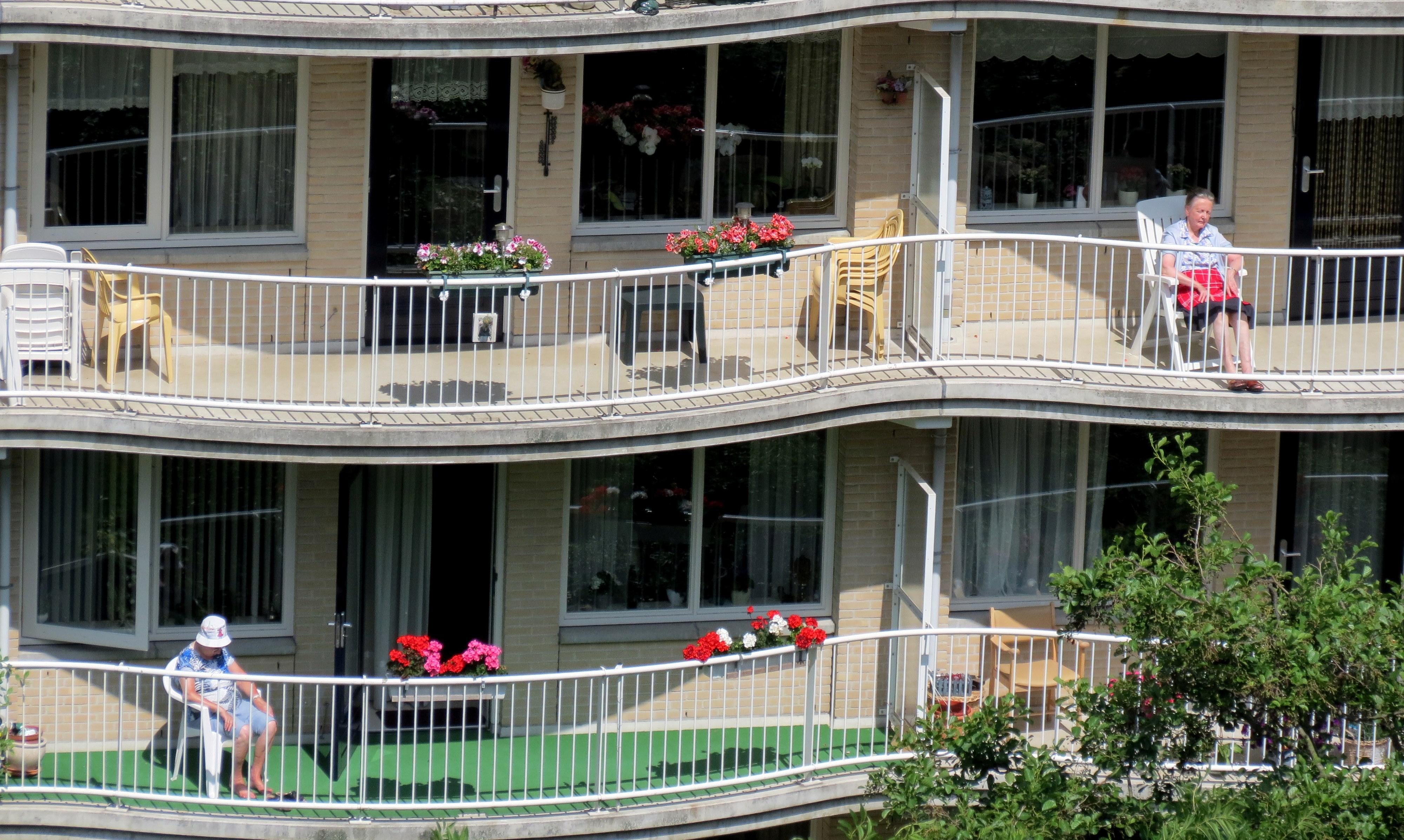 Maak buurten waar ouderen bij elkaar kunnen wonen sociale vraagstukken - Een appartement ontwikkelen ...